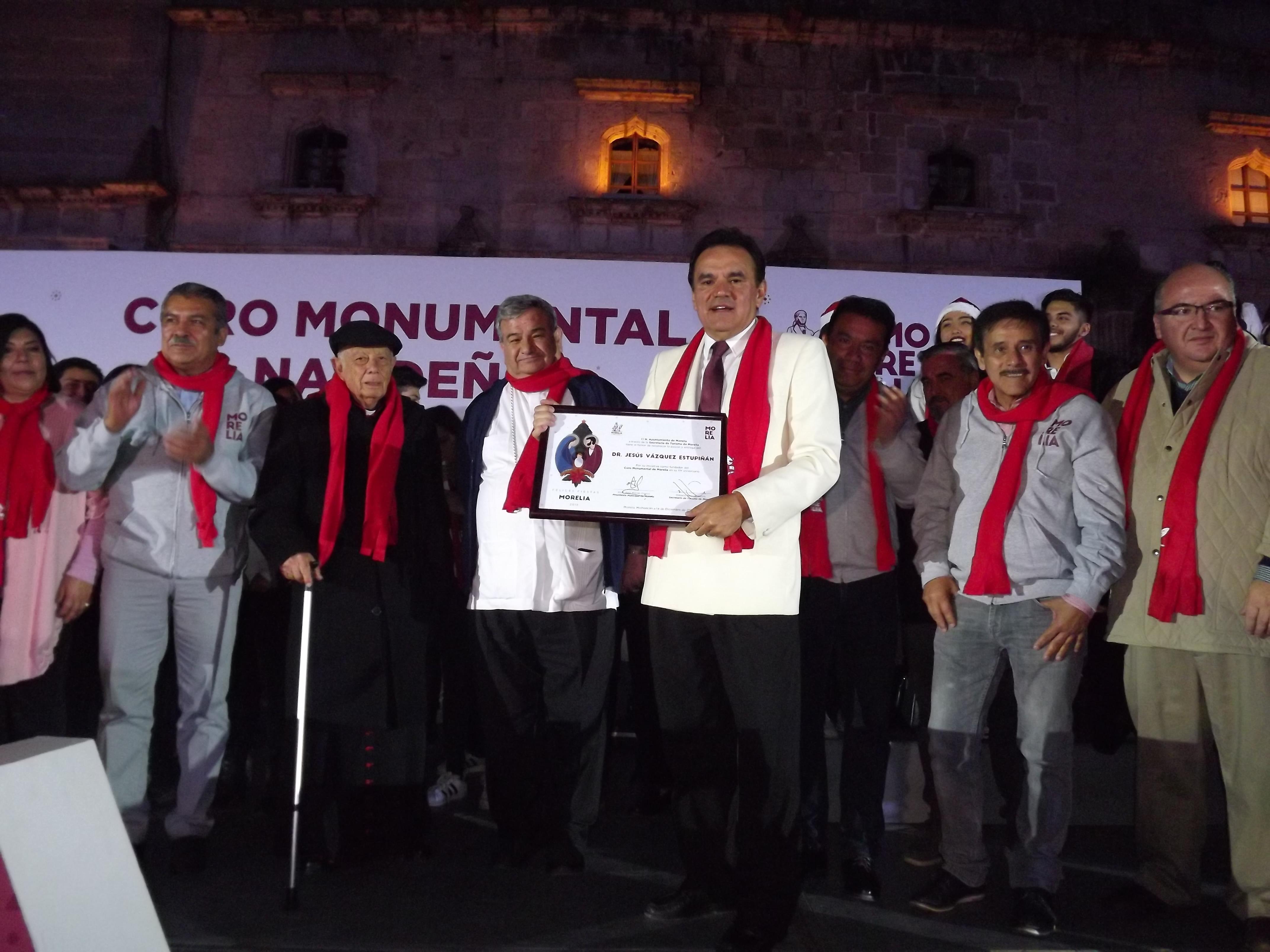 EMOTIVA PRESENTACIÓN DEL CORO MONUMENTAL NAVIDEÑO DE MORELIA