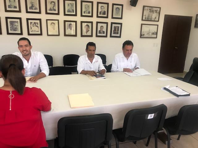 FIRMA DE CONVENIO ENTRE EL AYUNTAMIENTO DE ZIHUATANEJO Y LA UNIVERSIDAD LA SALLE MORELIA